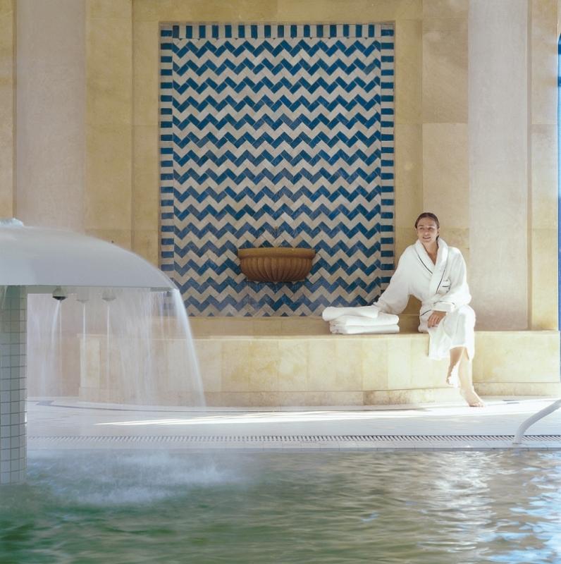 savoir maigrir hammam ou sauna des bains de vapeurs bienfaisants beaut. Black Bedroom Furniture Sets. Home Design Ideas